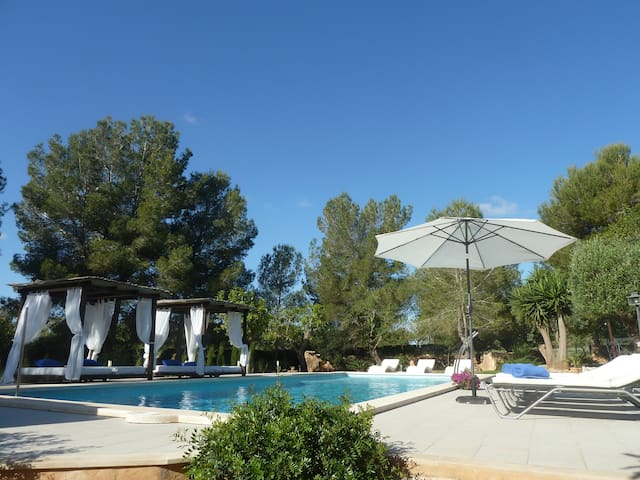 finca BELTRAN  wifi tennis swimming pool  private