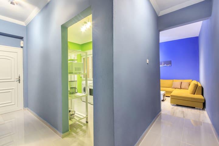 ESPERIA Luxurious coloured house with a sea view!