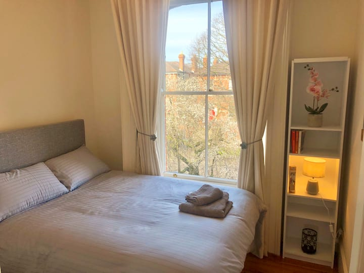 Private Bedroom w/private Bathroom in Ranelagh