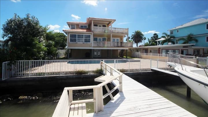 BPW: Extravagant Madeira Beach Waterfront Home, With Pool, and Private Dock