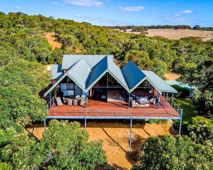 The Tree House, Eagle Bay