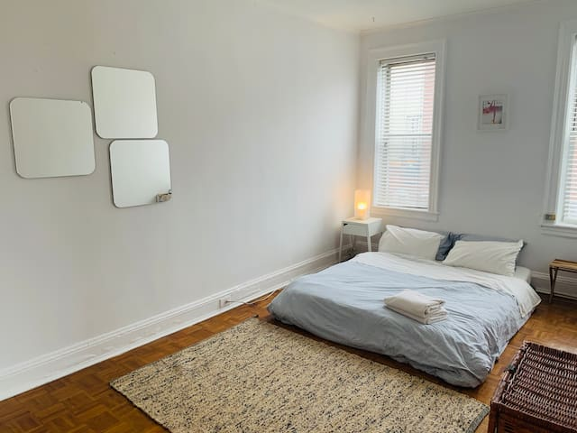 Cosy and charming 1br in the heart of Greenpoint