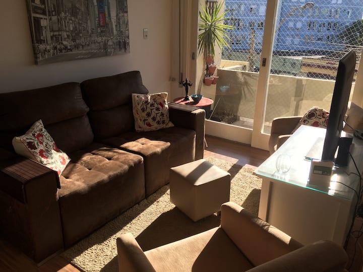 Apartamento aconchegante c/ garagem! ❤
