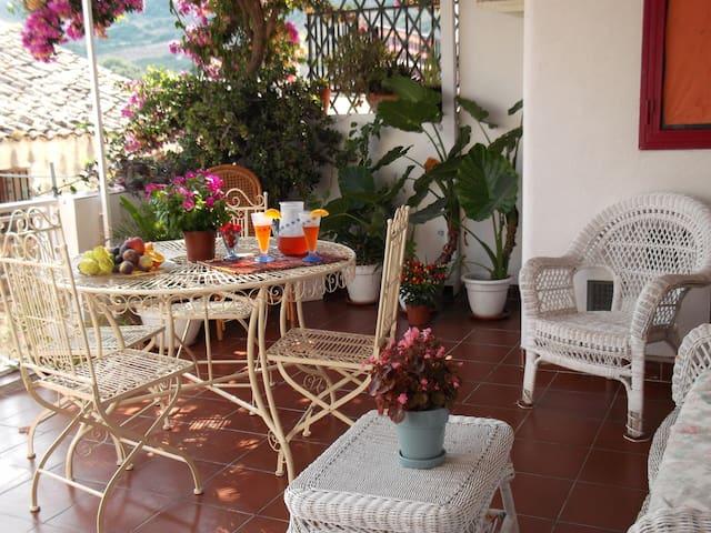 casa tipica con bellissima terrazza - Scopello - Appartement