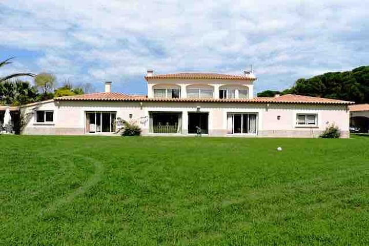 Can Roca exclusive villa in Pals