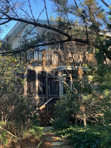 Laughing Pines is a luxury, large family rental