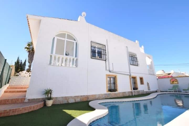Gorgeous  Villa in Villamartin with private pool