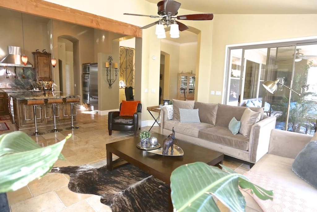 Open & Spacious Floor Plan perfect for entertaining and Larger Groups