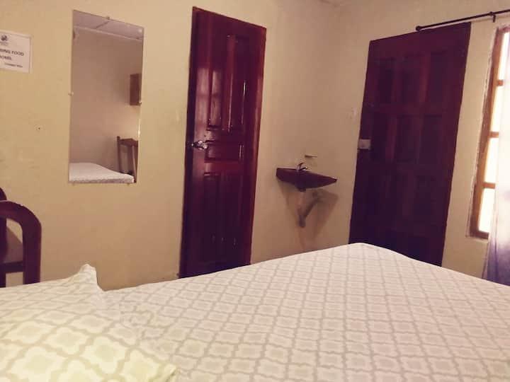 Habitacion matrimonial baño privado