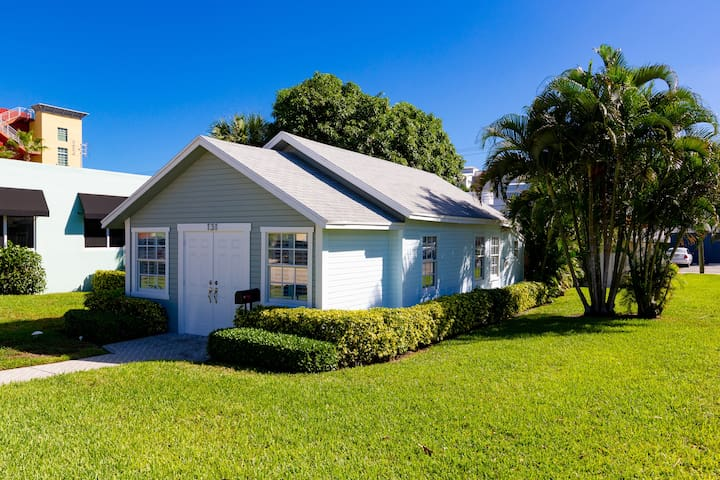 Cozy Cottage 131 NE 4th Ave-  Delray Beach