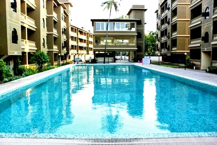 Furnished 2 Bedroom Apartment with a Pool