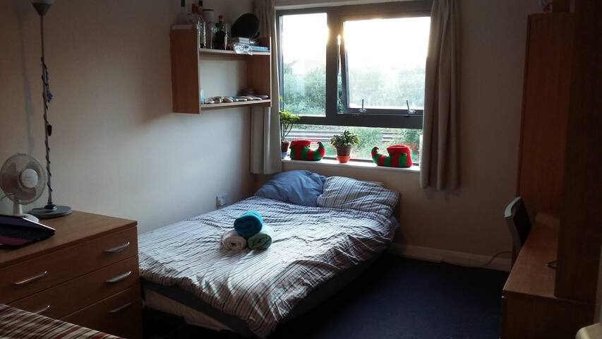Wonderful&Cosy room for 2/3 people