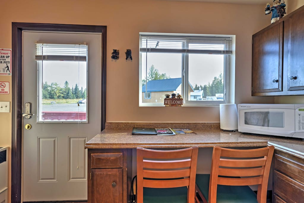 Take advantage of the kitchenette to store and heat up food for your exploits!