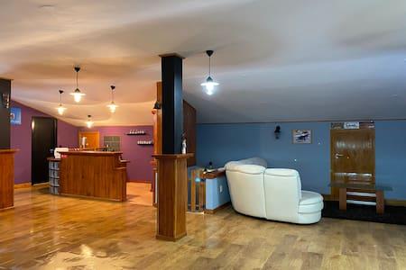 Porta 29 Guesthouse - O sótão, um espaço amplo