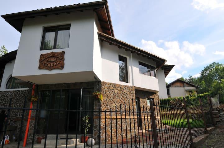 Къща Секвоя