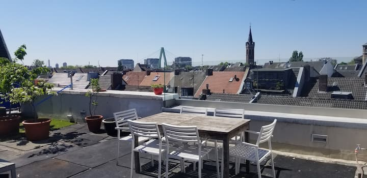 Beautiful Rooftop Apartment in Cologne-Deutz