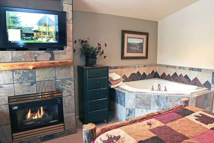 Suite with Two person Jetted tub, Private Patio with Grill and River View.