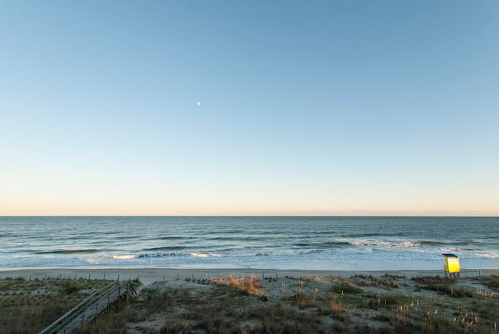 Cirimele - Enjoy the view at this oceanfront condo - Carolina Beach - Pis