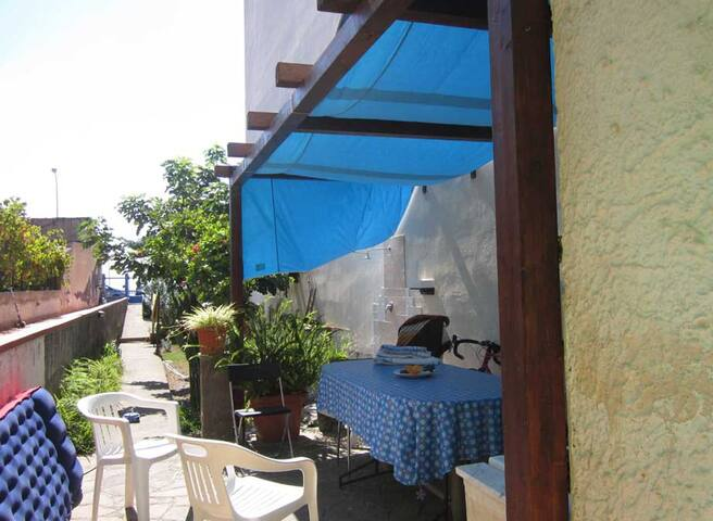 Grande casa fronte mare a 20 Km da Taormina - Alì Terme - Haus
