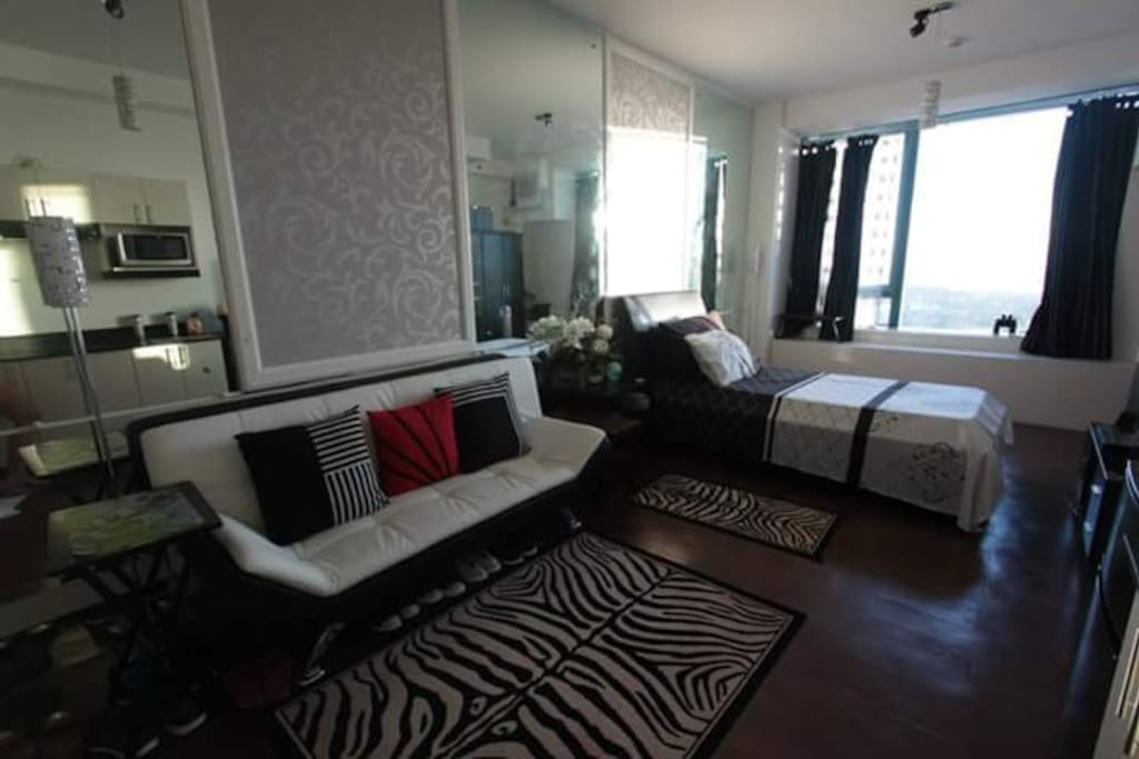 2 single beds and sofa bed