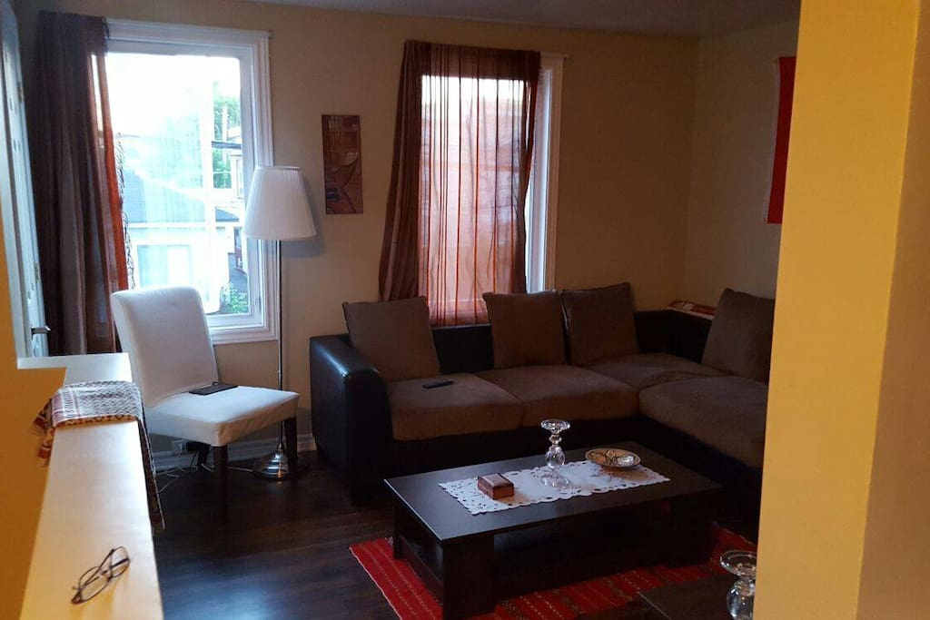 Amazing bedroom close to downtown ottawa appartements for Appartement a louer gatineau 1 chambre