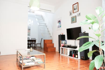 Arty Duplex with veranda and view - Lisboa