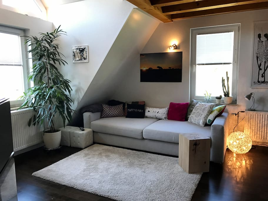 macht es Euch auf unserer Couch bequem / our comfy living room