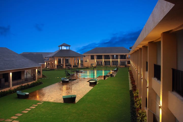 Luxury tropical retreat in Igatpuri with ALL MEALS