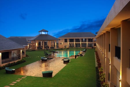 Luxury tropical retreat in Igatpuri - Igatpuri - Boutique-Hotel