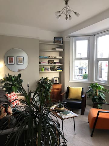 A HUGE double | Lovely, homely flat | 3-month let