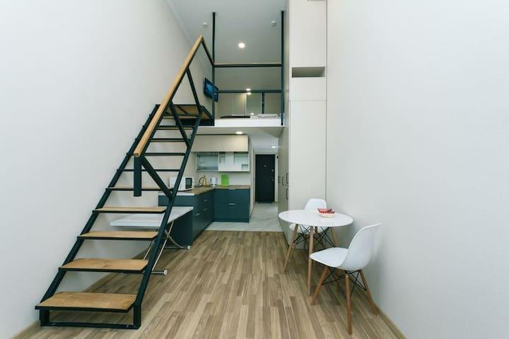 Smart BeRest  двухуровневые апартаменты для троих