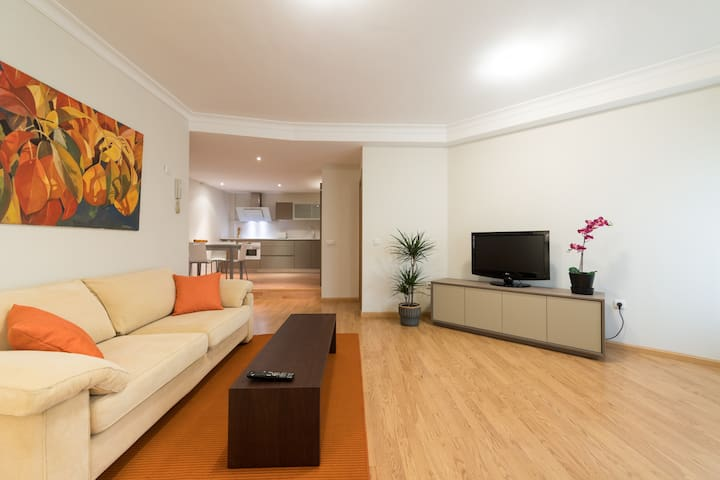 Brand NEW Apartment in the City Centre