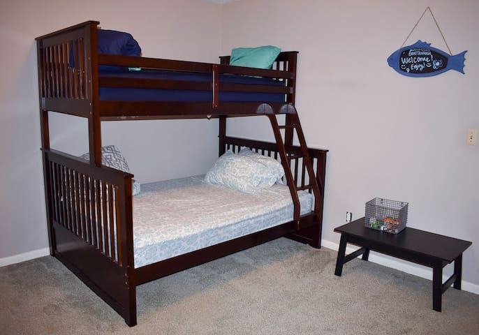 Second bedroom. The bunk beds are twin and full