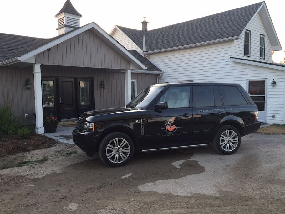 Range Rover shuttle pick up from Airport and to local Restaurants and Creemore Springs Brewery
