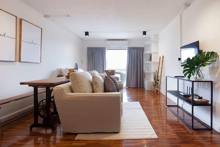 Cozy room convenient location near NIMMAN ROAD