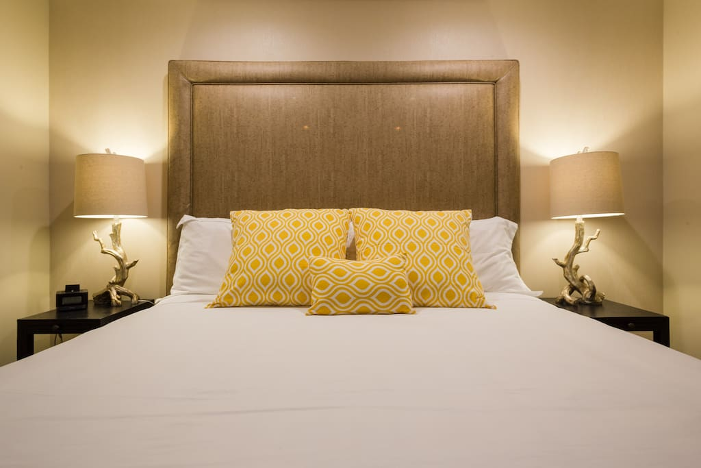 Comfortable king size bed with high sheets. They are very soft.