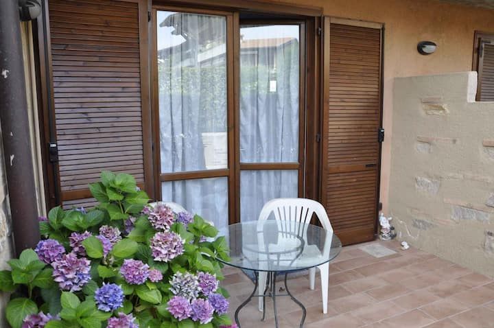 apt for 1+2 persons with pool in Lazise R102247