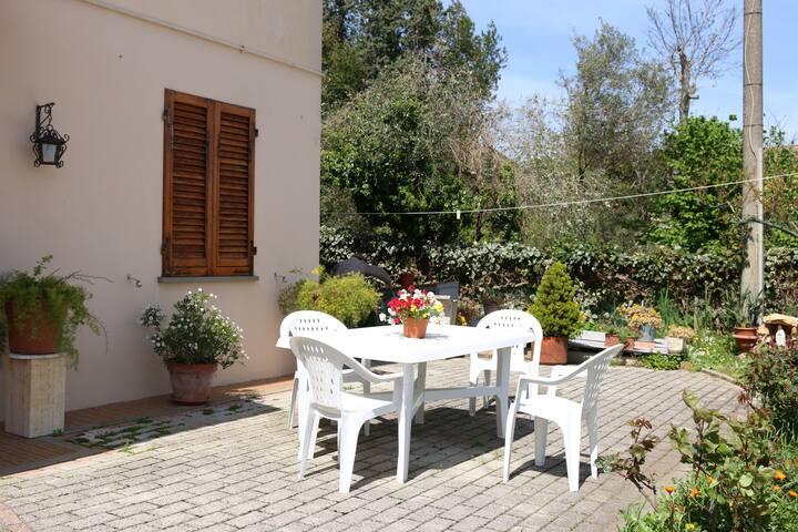 Casa Lisi app. completo p.terra vicino alle Terme.