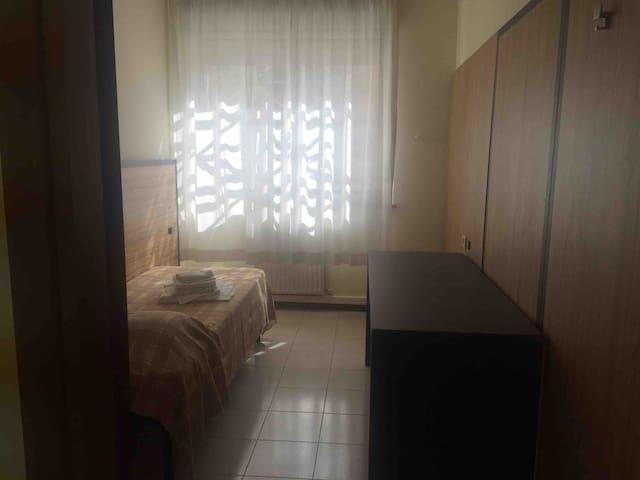 Delizioso appartamento ben collegato STANZA 1