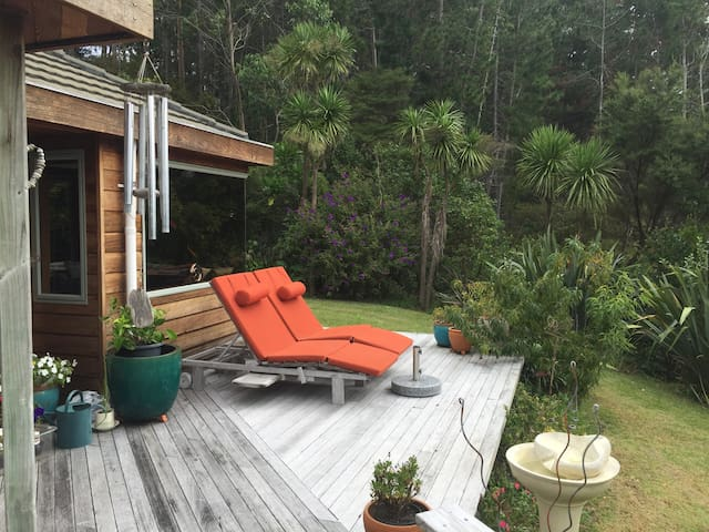 Tranquil Retreat ~ Paradise in the Trees - Whangaparaoa - Casa