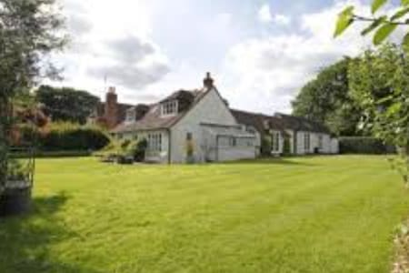 Luxurious Victorian orchard cottage - West Sussex