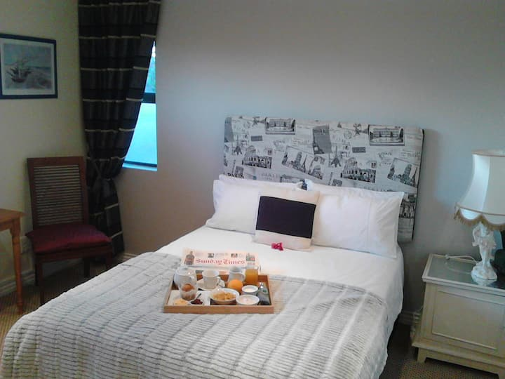 Port House Double Room with Private Bathroom