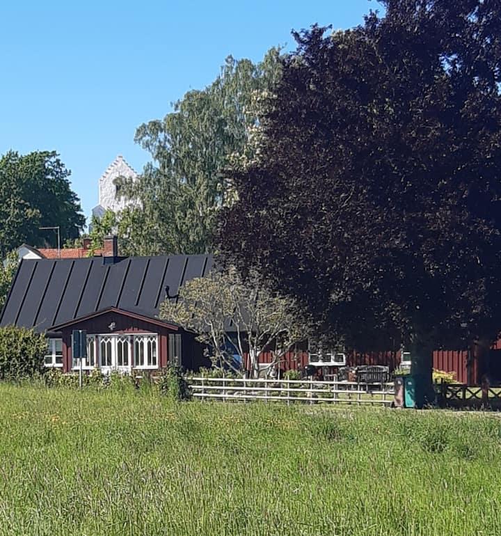 Lantlig lägenhet i Ravlunda på sköna Österlen.