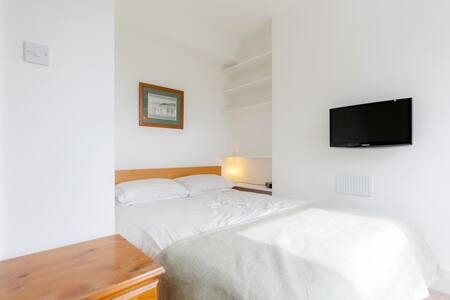 Bright & airy central Clapham flat - Lontoo - Huoneisto