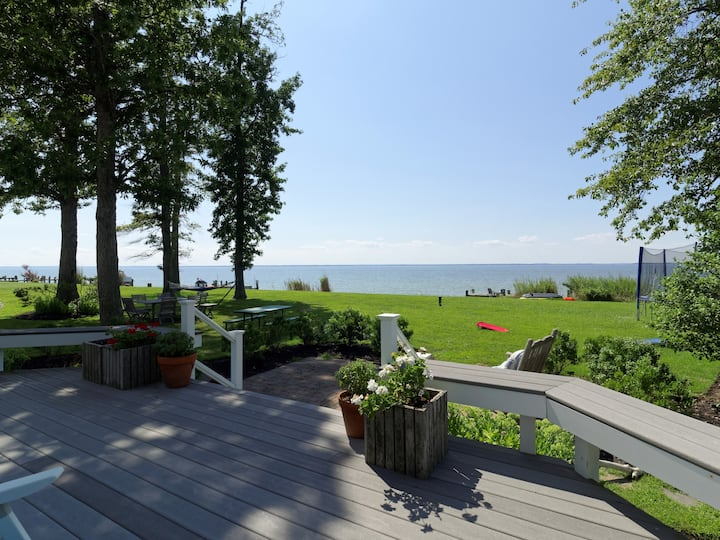 Bayfront Luxury Home with Heated Pool and Pier
