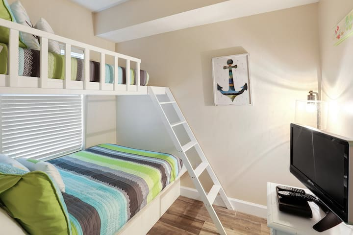 Bunk room with HDTV