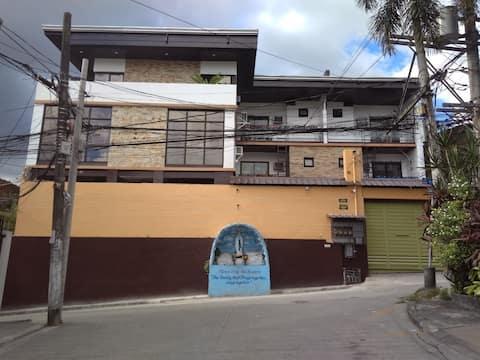 Entire Townhouse San Juan Unit 3 good for 18 pax