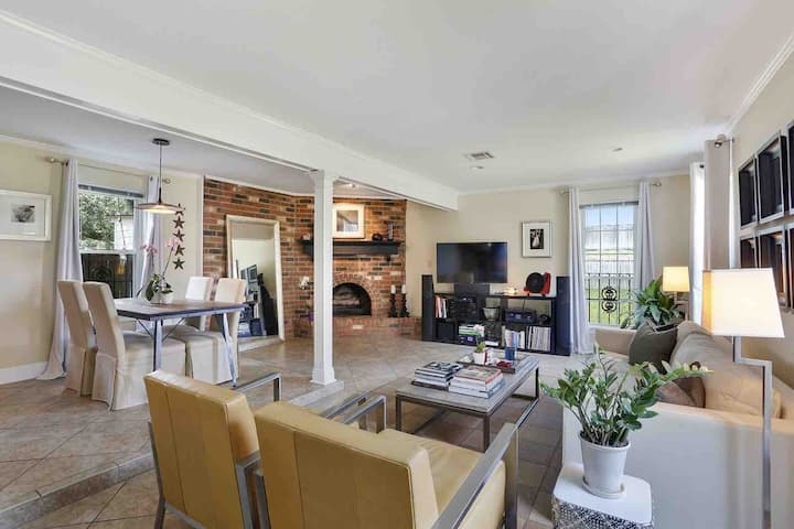 Beautiful Lakeview/West End Townhouse