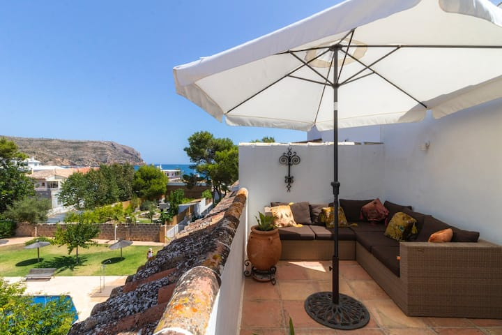 Loft apartment, sea views close to Bahia de Javea