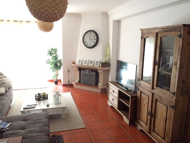 Big&bright apartment in Leiria - Parceiros - Huoneisto